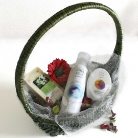 Cesta regalo cosmética natural ecológica