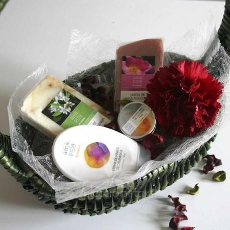 Cesta regalo cosmética belleza natural